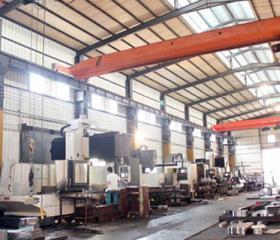正工橡塑混炼机设备生产车间
